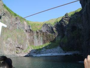 Furepe waterfall sea